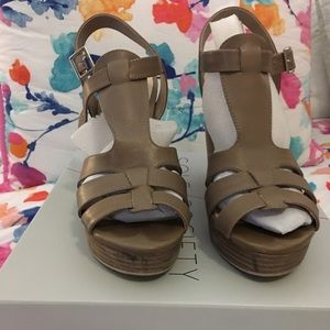 Sole Society Taupe Chaya Sandals 7.5